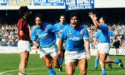 Diego Armando Maradona esulta dopo uno dei suoi 115 gol segnati con la maglia del Napoli